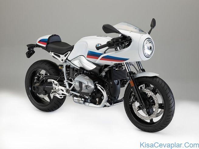 BMW R nineT Racer studio 3/4 view